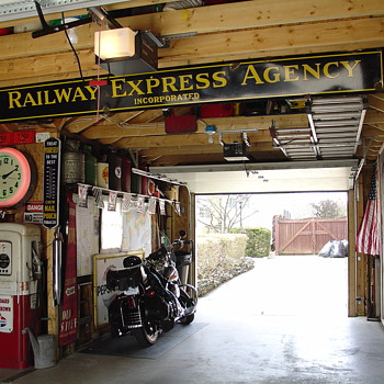 Original...Railway Express Agency Inc...Porcelain Sign...Two Colors