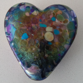 Iridescent Arte Vargas Glass Heart Paperweight