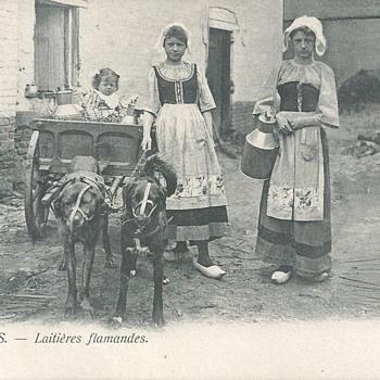 BRUXELLES - LAITIÈRES FLAMANDES