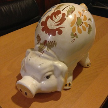 Old big piggy bank. Maybe a wemyss ??