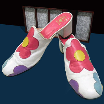 Vintage 1960s Selby Fifth Avenue FLOWER POWER Shoes Mary Quant - Shoes