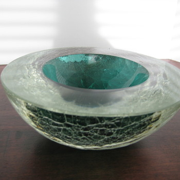 Crackle glass geode