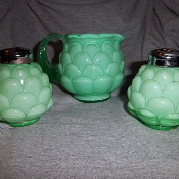 Fenton Jacqueline Shakers and Creamer - Glassware