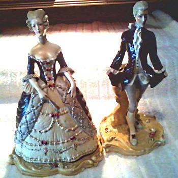 Courtly Couple Figurines # 703 #704 /Plaster-Chalkware/Unknown Maker and Age
