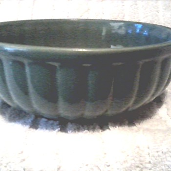 "Cookson Pottery Roseville Ohio / 8"" Jade Green Bowl / Circa 1945"
