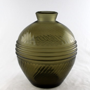 Japanese battuto vase - Art Glass