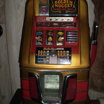 Golden Nugget Nickel Slot Machine - Coin Operated