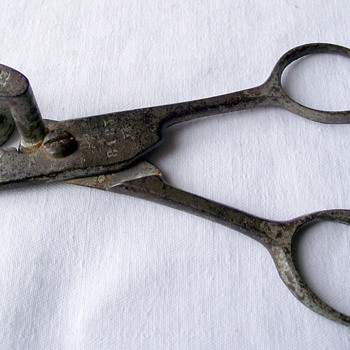 Tube cutting scissors, who would have used them?