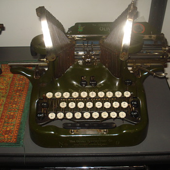 1912 Oliver No. 9 typewriter (DESKTOP OR PORTABLE?) - Office