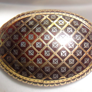 Tortoise Shell Piqué brooch inlaid with gold and silver  - Fine Jewelry