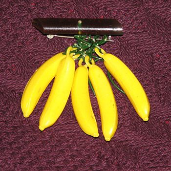 Banana pin... - Costume Jewelry