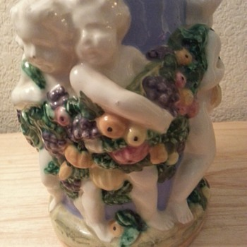 Majolica / Maiolica Cherubs / Angels / or Putti Vase Mark Made In Italy With Number 1710