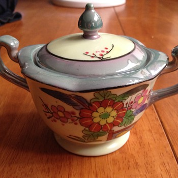 Asian sugar bowl - China and Dinnerware