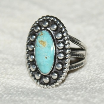Vintage Ring with Turquoise – Possibly Native American? - Costume Jewelry