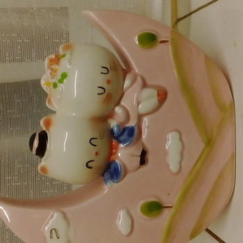 Kittens on moon japanese ceramic money box