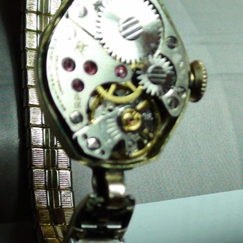17 JEWELS CARAVELLE BULOVA working is 1943??  or what is it..? - Wristwatches