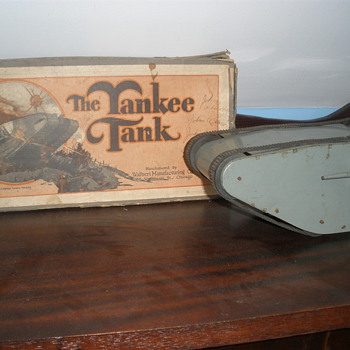 Walbert Yankee Tank WWI style 1920s. Pressed steel wind up.  - Model Cars