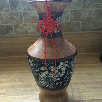 Vase w/attached string