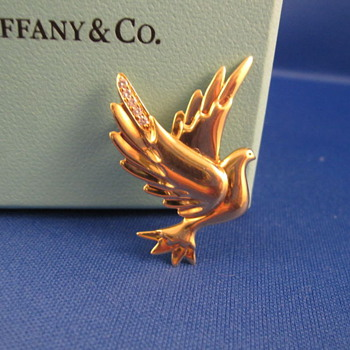 Newly aquired 18K gold/Diamond &quot;RARE&quot; Paloma Picasso Brooch..Circa 1983