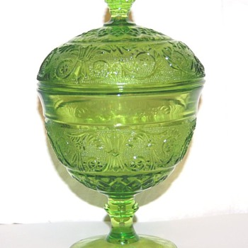 Green glass..thing :) - Glassware