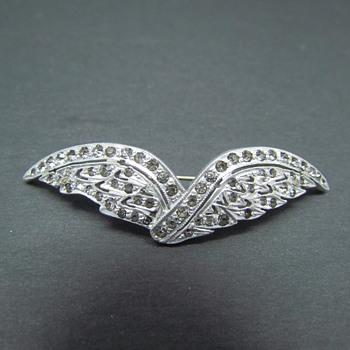 "Antique or Vintage Silver Tone Rhinestone ""V"" Wings Brooch Pin"