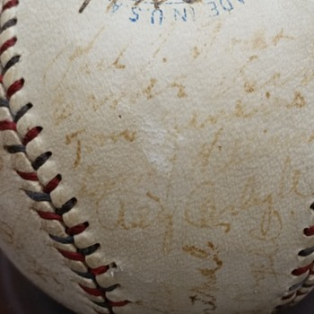 1925 Red Sox baseball signed by team