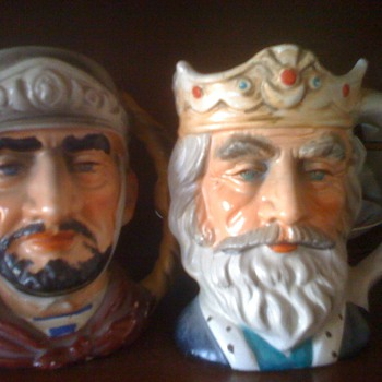 Figurine mugs - Art Pottery
