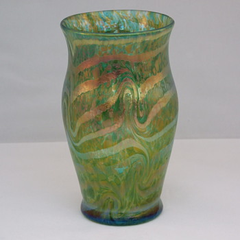 Kralik or Fritz Heckert silberband vase? - Art Glass