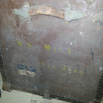 Haskell Brothers Trunk - Need Information - Furniture