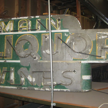 Vintage 1940's MAIN LIQUOR / WINES Antique Neon Sign
