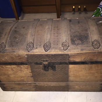 Just acquired this trunk from my Grandfather