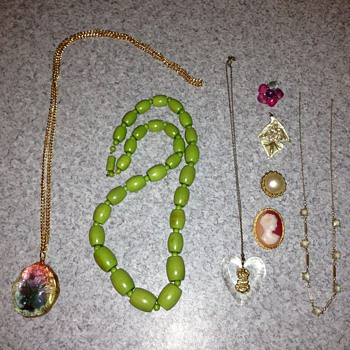 HELP! Unidentified jewellery. - Costume Jewelry