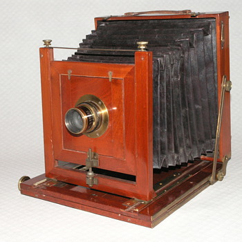 Trotter, John, (Glasgow), Field Camera, 1880. - Cameras