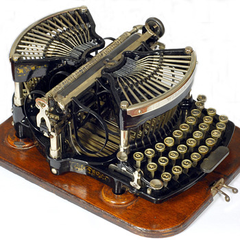 Williams 1 typewriter - 1891 - Office