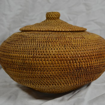 Large UFO Shaped Native Basket