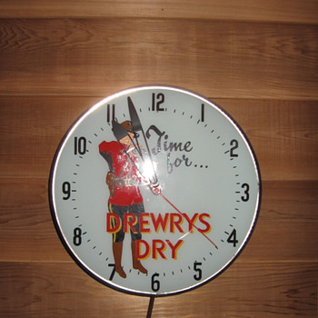 Drewrys Dry Mountie Clock - Clocks