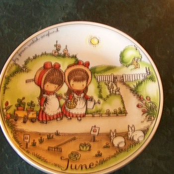 1966 June Joan Walsh Anglund Plate - China and Dinnerware