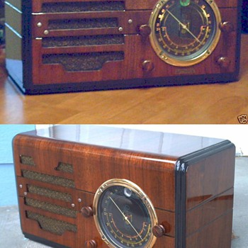 1930's Fidelitone with tuning eye. - Radios