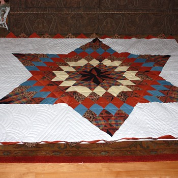HANDMADE QUILT - Rugs and Textiles