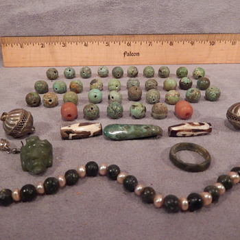 40 PIECE JADE NECKLACE JADE (FROM THE LEESMAN COLLECTION ? PRE-COLUMBIA ERA ?) HELP! - Fine Jewelry