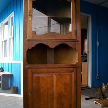 An awesome corner hutch