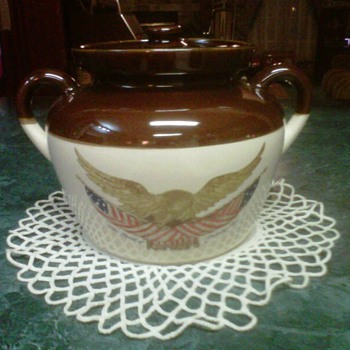 ~~McCoy BeanPot Spirit Of 1976~~ - Art Pottery