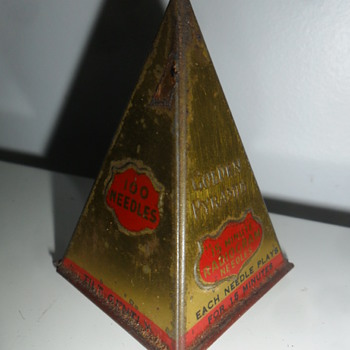 Gramophone needle pyramid tin