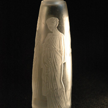"perfume bottle for COTY, ""ambre antique""  by RENE LALIQUE - Art Deco"