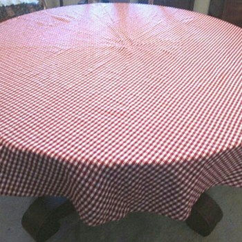 Red and White Gingham Tablecloth - Rugs and Textiles