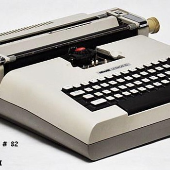 OLIVETTI LEXIKON - Electric Typewriter, Designed by MARIO BELLINI of Italy - Office