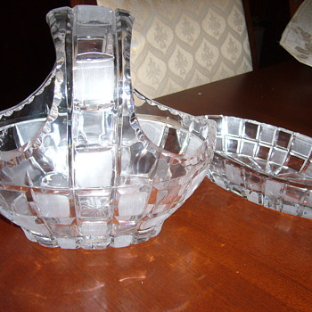 basket and bowl - Glassware