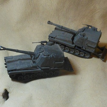 Roco Mini-Tanks M-55 Self Propelled 203mm Guns 1/87th Scale
