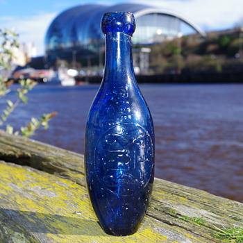 NEWCASTLE UPON TYNE & DISTRICT AERATED CO LIMITED - Bottles