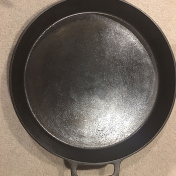 Unknown Cast Iron #20 Skillet